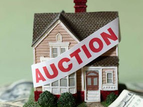 House with Auction Banner