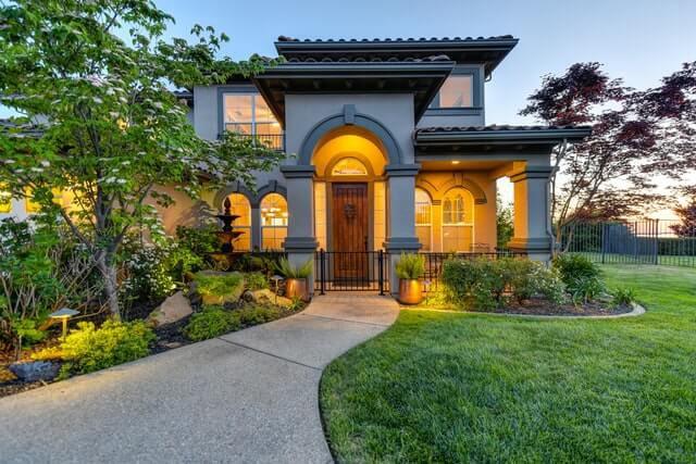exterior-home-yard.jpg